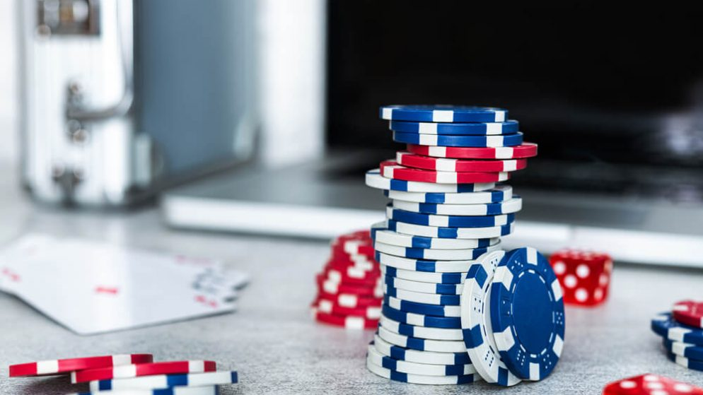 Texas Hold'em Poker Online Tips – Three Ways to Improve Your Game!