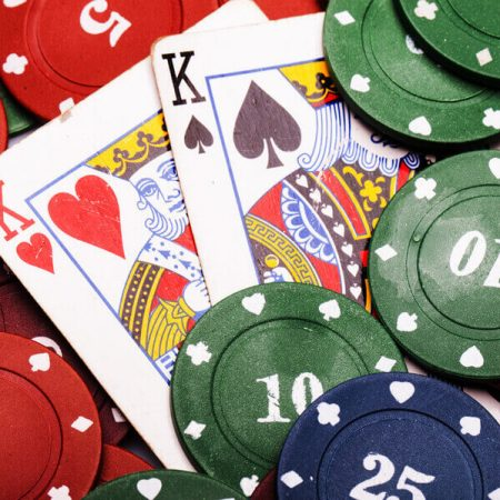 Poker Chips – Did You Know There Are Different Kinds?