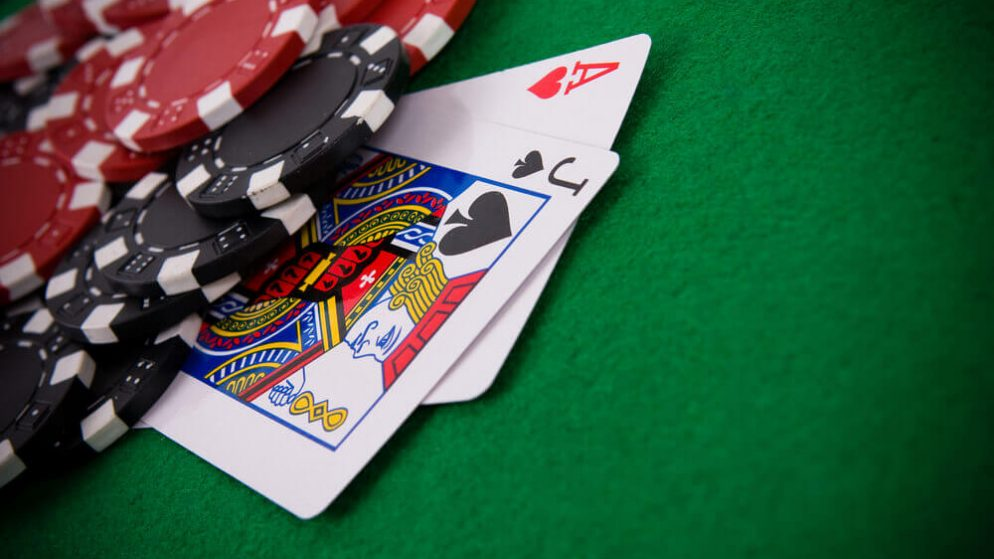 How to Play Live 21 Blackjack Online– Beginner's Guide