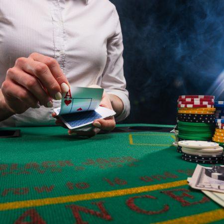 เกมถ่ายทอดสด Jackpot City – สมัครเพื่อลุ้นรับโบนัสสูงสุด $1600!