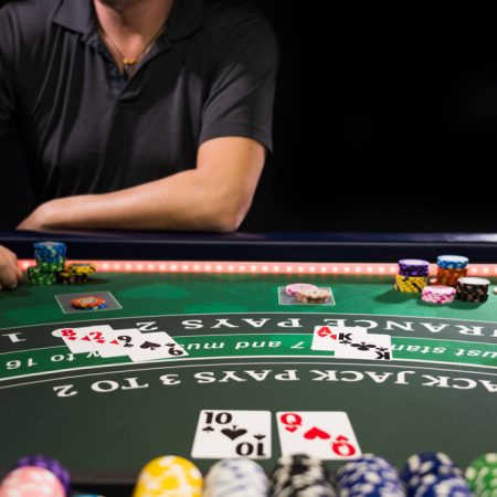 Baccarat Free or For Money – Which is Better?